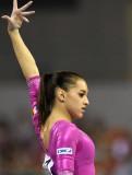 CNN compara la gimnasta de Rumania Larisa Iordache...