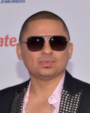 Larry Hernández Larry Hernández llega al Billboard...