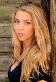 Laura Carswell Corto