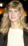 Laura Dern 1982 de Srta. Golden Globe a través de...