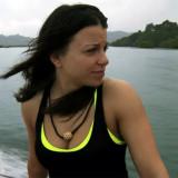 Ver Laura Zerra en Discovery Channel s Desnudo y
