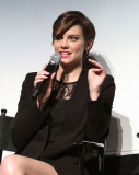 Lauren Cohan The Walking Dead para su evento de co...