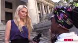 Lauren Sur s choca con SlutWalk feminista