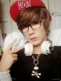 Lee Jaeshin celebra su cumpleaños lo apoyan como f...