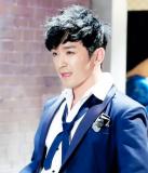 Lee Min Woo ha cantado en una variedad de estilos...